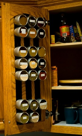 食器戸棚の裏の調味料収納_[0].jpg